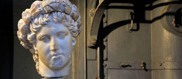 Le Macchine e gli Dei. La collezione archeologica di Roma antica nella Centrale Montemartini